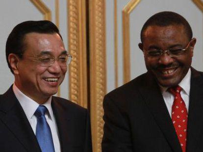 Li Keqiang, com o presidente de Etiopía, Hailemariam Desalegn.