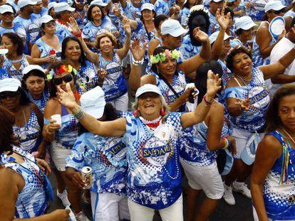 Foliões no Circuito Batatinha, no bloco da Saudade, no carnaval baiano.