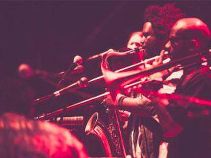 Kamasi Washington arrebata o jazz do marasmo no Rio de Janeiro