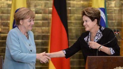 Angela Merkel e Dilma Rousseff durante encontro neste domingo.