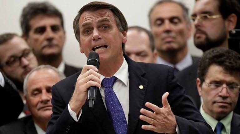 O deputado Jair Bolsonaro discursa durante sua cerimônia de filiação ao PSL no dia 7 de março