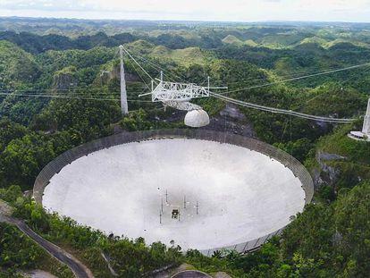 Imagem do Observatório de Arecibo administrado pela UCF, tomada em 2019.