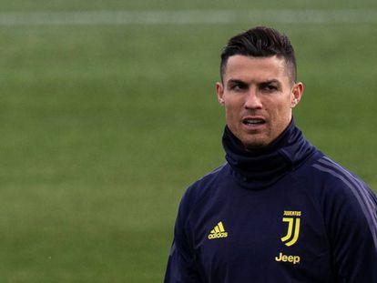 Cristiano Ronaldo em treino da Juventus antes de enfrentar o Atlético.