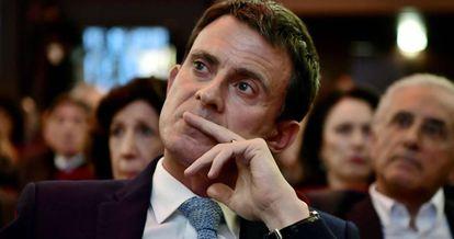 O ex primeiro-ministro Valls em um ato celebrado em Paris.
