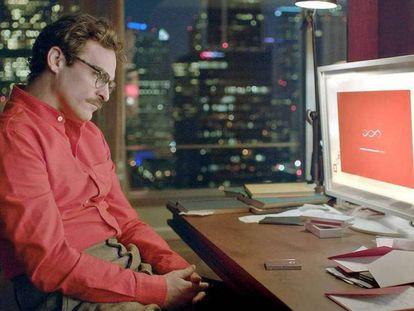 Joaquin Phoenix em uma cena do filme 'Her (Uma História de Amor)'
