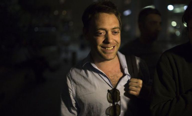 O jornalista Damian Pachter chegando em Tel Aviv.