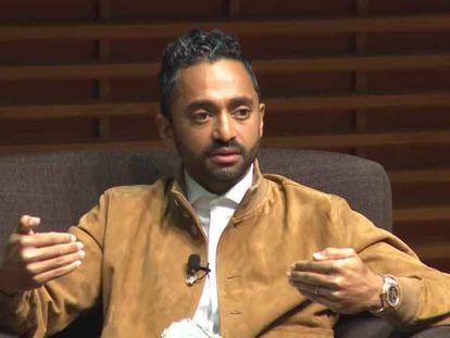 Chamath Palihapitiya durante o fórum da Escola de Negócios de Stanford em 10 de novembro.