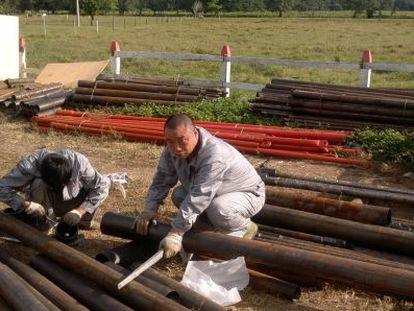 Um chinês trabalha na Nicarágua na construção do canal.