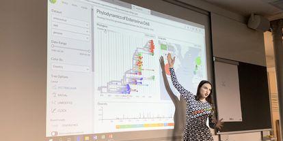 A geneticista Emma Hodcroft, da Universidade de Basileia (Suíça).