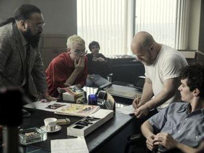 A plataforma lança um filme em vez da quinta temporada