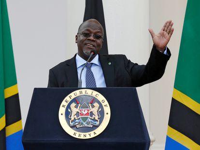 O presidente da Tanzânia, John Magufuli, durante uma visita oficial a Nairóbi (Quênia) em 2016.