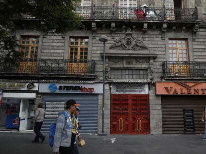 Várias lojas fechadas no centro histórico da Cidade do México.
