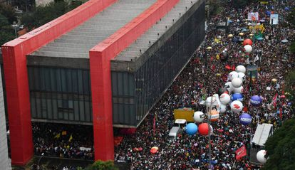 Protesto na av. Paulista contra os cortes na Educação, em maio de 2019.