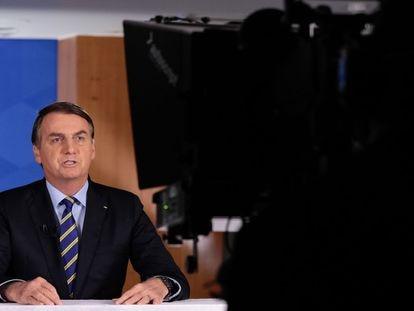 Bolsonaro, que na TV defendeu o uso da  hidroxicloroquina contra o coronavírus.