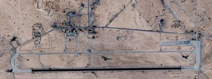 Imagem de satélite (Google Maps) do aeroporto atacado