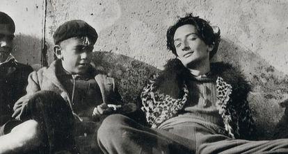 Dalí, em foto sem data, bem longe dos estudados retratos posteriores.