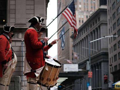 Celebração no distrito financeiro de Nova York.