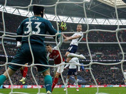 Harry Kane marcou o gol da vitória sobre o Arsenal.