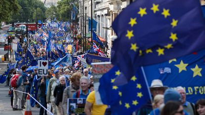 No Brexit, mais de 80 notícias da mídia britânica incluíram tuítes de 'bots'