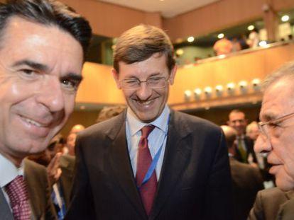 O ministro Soria, com Vittorio Colao e César Alierta.