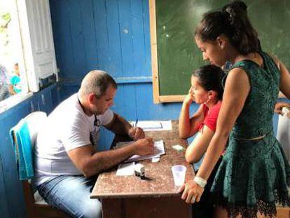 Manuel Francisco Gallardo atende no município de Sena Madureira