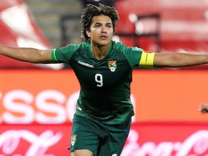 O jogador Marcelo Moreno, da Bolívia, depois de marcar um gol contra o Chile nas eliminatórias da Copa do Mundo.