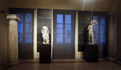 Algumas das estátuas dos Museus Capitolinos (Roma) que foram cobertas durante a visita de Rohani.