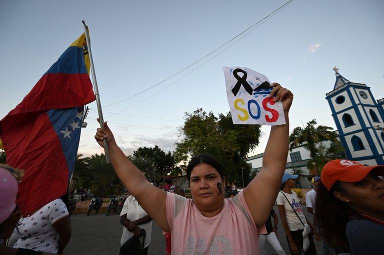 Milhares vão às ruas em protesto contra Mauricio Macri na