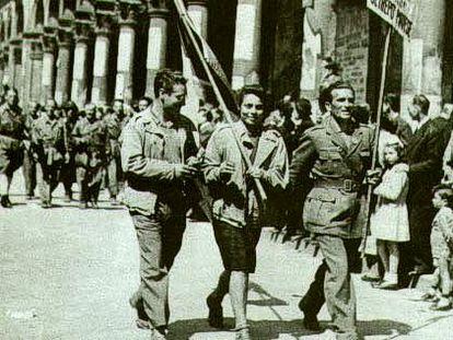Partisans em Milão depois da libertação do fascismo.