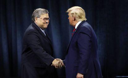 Donald Trump e William Barr, em uma imagem de arquivo.