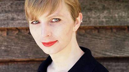 Foto de Chelsea Manning publicada em sua conta no Twitter um dia depois de sair da prisão.
