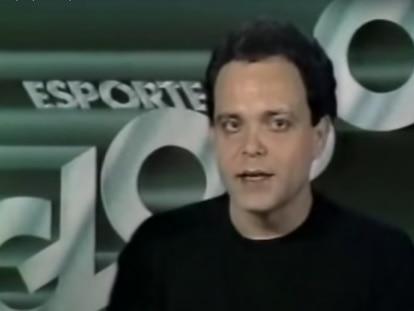 Fernando Vannucci apresenta o Globo Esporte em novembro de 1988.