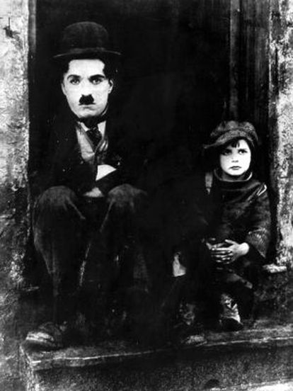 Charles Chaplin, Charlot, em um fotograma de 'O garoto' de 1921.
