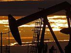 Campo de extracción de petróleo en Texas, EE UU.