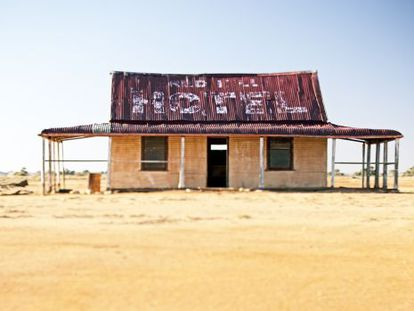 Um hotel remoto em Silverton (Austrália), antiga comunidade mineira abandonada que conta agora com uma pequena população e estúdios de artistas.