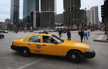 Uma típica cena dos táxis em Chicago.