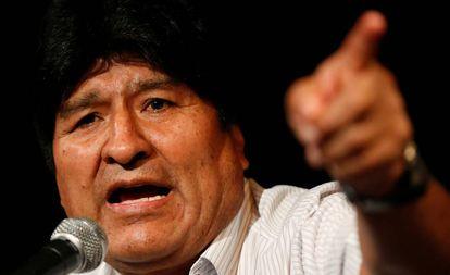 Evo Morales durante conferência em Buenos Aires.