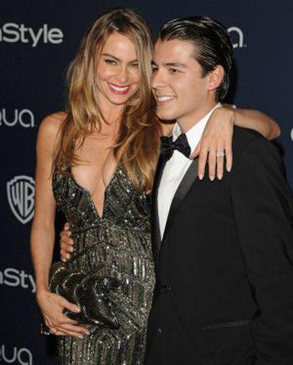 Sofía Vergara com filho Manolo González no Globo de Ouro este ano.