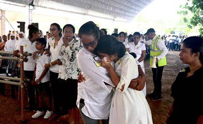 Funeral em memória das vítimas dos atentados na Igreja de São Sebastião em Negombo