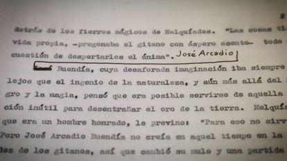 """Uma das cópias do texto datilografado original de """"Cem anos de solidão"""" de Gabriel García Márquez com anotações à mão do autor."""