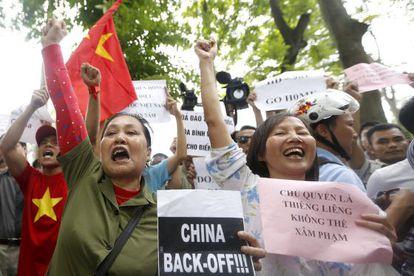 Vietnamitas protestam contra a China em Hanói.
