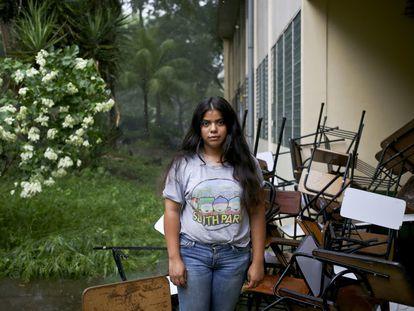 A estudante Valeska Sandoval posa durante os protestos na Universidade Autônoma da Nicarágua, em 10 de junho de 2018.