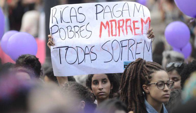 Protesto no Rio de Janeiro pela legalização do aborto.