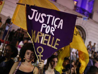 No Rio de Janeiro, manifestantes cobram elucidação do assassinato de Marielle Franco, em 2 de novembro de 2019.