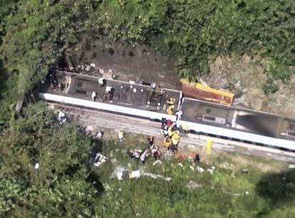 Imagem aérea do local do acidente, fornecida à AP pelo serviço nacional contra incêndios de Taiwan.