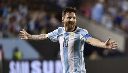 Messi festeja seu segundo gol contra o Panamá.