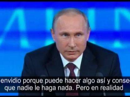 Em sua tradicional coletiva de imprensa anual, Vladímir Putin não ocultou certa simpatia pelo exanalista da NSA Edward Snowden, refugiado em Rusia depois de filtrar segredos de EUA. Putin foi espião do KGB soviético.