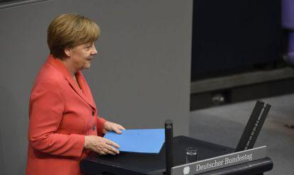 A chanceler alemã, Angela Merkel, nesta sexta-feira no Bundestag.