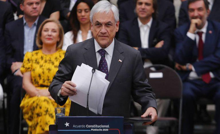 O presidente Sebastián Piñera faz um pronunciamento no palácio de La Moneda, em Santiago, em 23 de dezembro.