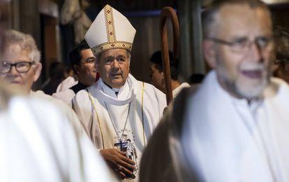 O bispo chileno Juan Barros, durante uma missa em março.